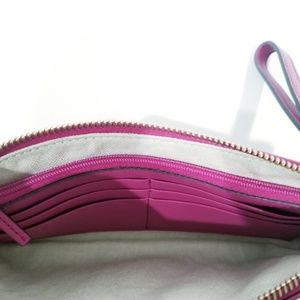 Gucci Bags - Gucci Soho Soft Patent Leather Wallet Clutch Pink